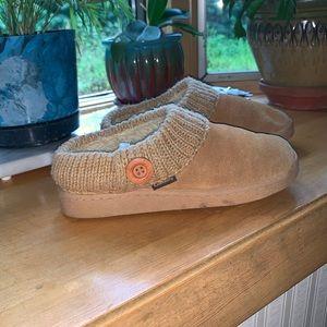 Cabela's Women Slip on Shoes